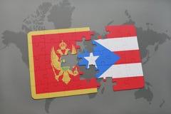 verwirren Sie mit der Staatsflagge von Montenegro und von Puerto Rico auf einer Weltkarte Lizenzfreie Stockbilder