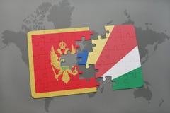verwirren Sie mit der Staatsflagge von Montenegro und von Seychellen auf einer Weltkarte Lizenzfreie Stockfotografie