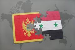 verwirren Sie mit der Staatsflagge von Montenegro und von Syrien auf einer Weltkarte Lizenzfreies Stockbild