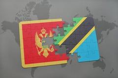 verwirren Sie mit der Staatsflagge von Montenegro und von Tanzania auf einer Weltkarte Lizenzfreie Stockfotografie