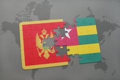 verwirren Sie mit der Staatsflagge von Montenegro und von Togo auf einer Weltkarte Lizenzfreies Stockfoto