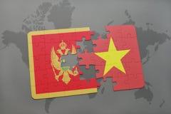 verwirren Sie mit der Staatsflagge von Montenegro und von Vietnam auf einer Weltkarte Lizenzfreies Stockfoto