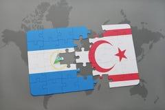 verwirren Sie mit der Staatsflagge von Nicaragua und von Nord-Zypern auf einer Weltkarte Stockfoto