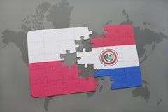 Verwirren Sie mit der Staatsflagge von Polen und von Paraguay auf einem Weltkartehintergrund Abbildung 3D Lizenzfreie Stockbilder