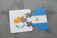 verwirren Sie mit der Staatsflagge von Zypern und von Nicaragua auf einer Weltkarte Stockbild