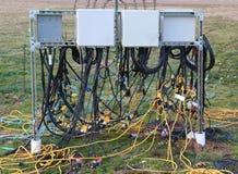 Verwirrte Schnüre der elektrischen Leistung Stockbilder