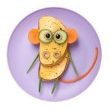 Verwirrter Affe gemacht vom Brot und vom Gemüse Lizenzfreie Stockbilder