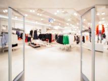 Verwischen Sie Eingangsbereich des Kleidungsgeschäftes stockbilder