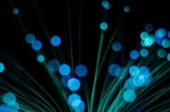 Verwischen Sie Nacht-bokeh runde Lichter des Grüns blauen Rotes Stockbild
