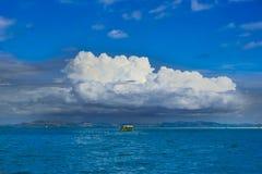 Verwittern Sie das Ändern in den Tropes, Coumulonimbus-Wolken über Pazifischem Ozean, Südsee stockfotos