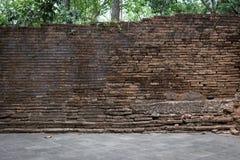 Verwitterte Beschaffenheit des Schmutzes alte Backsteinmauer Lizenzfreies Stockbild