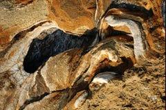 Verwitterter Kalkstein auf der Mittelmeerküste Stockfoto