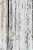 Verwitterter weißer hölzerner Hintergrund mit der Farbe abgebrochen und Schale Stockbilder
