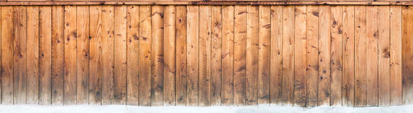 Verwittertes Naturholzabstellgleis lizenzfreies stockfoto