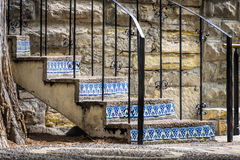 Verwittertes Treppenhaus auf San Antonio Riverwalk stockfotos