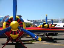 verworfen am Speicherauszugflugzeug in einem alten Flugplatz Lizenzfreie Stockbilder