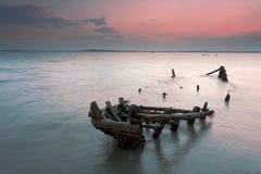 Verworpen houten schipeigenschap Stock Foto's