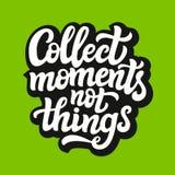 Verzamel de typografie van ogenblikken niet dingen Stock Foto's