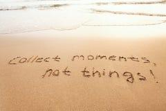 Verzamel ogenblikken, niet dingen - gelukconcept stock afbeeldingen