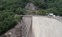 Verzascadam Sprong 007 Kanton Ticino zwitserland stock afbeelding