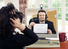 Verzeihen Sie anderen schriftlicher Mitteilung für deprimierte Frau Stockfoto