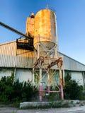 Verzicht-Zement-Silo bei Port Royal, South Carolina lizenzfreie stockfotografie