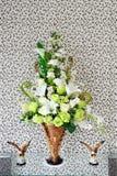 Verzierte Blumen im Vase Lizenzfreie Stockfotografie