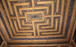 verzierte Decke mit der Form des Labyrinths im italienischen Museum Palazzo Te in Mantova Stockbilder