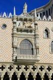 Verzierte Fassade des venetianischen Urlaubshotels und des Kasinos, Las Vegas, Stockfotos