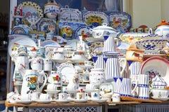 Verzierte keramische und traditionelle portugiesische Andenken in Portug Stockfotografie