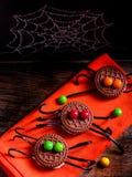 Verzierte Spinnenkekse für Halloween Lizenzfreies Stockbild
