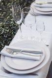 Verzierte Tabelle in der Gaststätte stockfotos