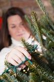 Verzierung des Weihnachtsbaums Stockfotografie