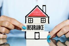 Verzoek of vraag naar betaling in het kader van de huisverzekeringspolis stock afbeelding