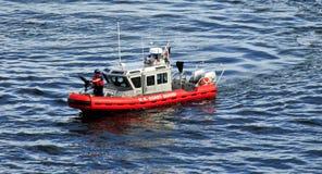 Vesel ou bateau de garde-côte Images libres de droits
