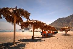 Vesique strand i norr Peru Arkivfoton
