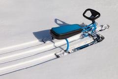 Vespa de la nieve o juguete de la moto de nieve Fotos de archivo libres de regalías
