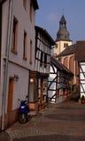 Vespa en ciudad alemana vieja fotografía de archivo