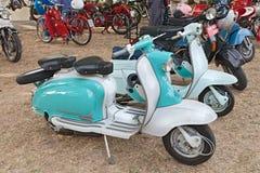 Vespa italiana Lambretta del vintage Imagenes de archivo