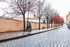 Vespa parqueada en el callejón Fotos de archivo libres de regalías