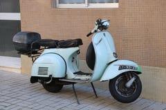 Vespa Piaggio de Moto en Portugal Foto de archivo libre de regalías