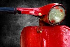 Vespa rouge photo libre de droits