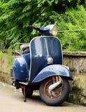 Vespa/sparkcykel Royaltyfri Foto