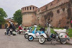 Vespas del italiano de la vendimia Imagen de archivo libre de regalías