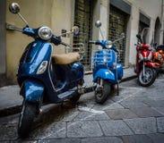 Vespas italianas Imagenes de archivo