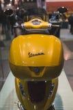 Vespasparkcykel på skärm på EICMA 2014 i Milan, Italien Fotografering för Bildbyråer