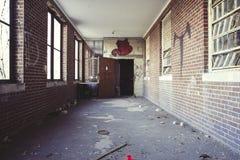 Vestíbulo abandonado del ladrillo Imágenes de archivo libres de regalías