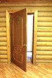 Vestíbulo con la puerta de madera Imagenes de archivo