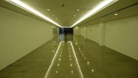 Vestíbulo con la reflexión del piso Imágenes de archivo libres de regalías