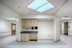Vestíbulo del pasillo del hospital Fotografía de archivo libre de regalías